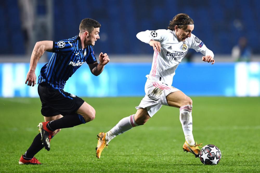 Mg Bergamo 24/02/2021 - Champions League / Atalanta-Real Madrid / foto Matteo Gribaudi/Image Sport nella foto: Luka Modric-Robin Gosens